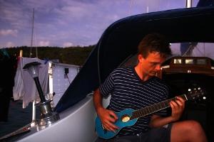 union_island_guitar