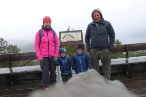 Besætningen på toppen af Skuleberget