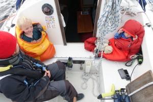 Ankomsten til Örnsköldsvik var timet til midt i sengelægningstiden så der vra hygge i cockpittet på vej ind for motor.