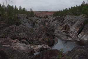 Vandkraft er stort langs Stora Lulälv. Vi besøgte et vandkraftværk og gik også en tur i en udtørret flodseng. Det er vildt at se hvordan der ser ud under vandet nede i sådan en elv.