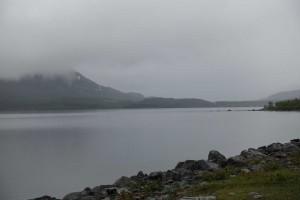 Vi kørte længere nordpå en Jokkmokk og så bjerge med sne på. Desværre var sigtbarheden ikke så god.